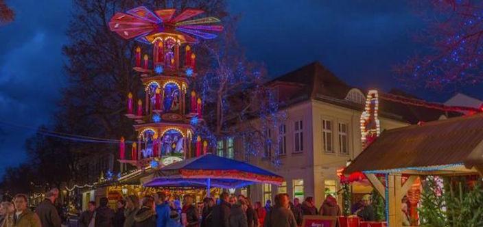 Blauer Lichterglanz - Potsdam's Christmas market @ TMB-Fotoarchiv/Steffen Lehmann