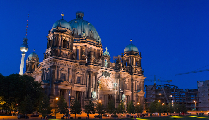Germany-Berlin-Dome-01