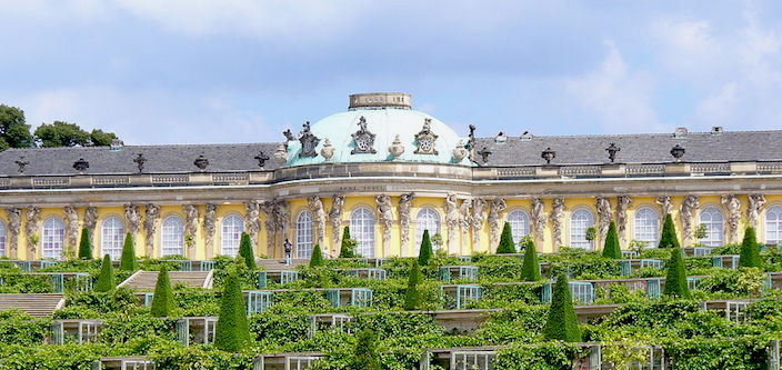 Sanssouci Palace in the summer © Steffen Heilfort