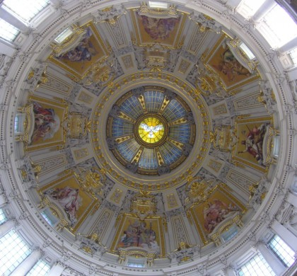 Under the dome, in the Cathedral of Berlin. Image by Fosie (cc)