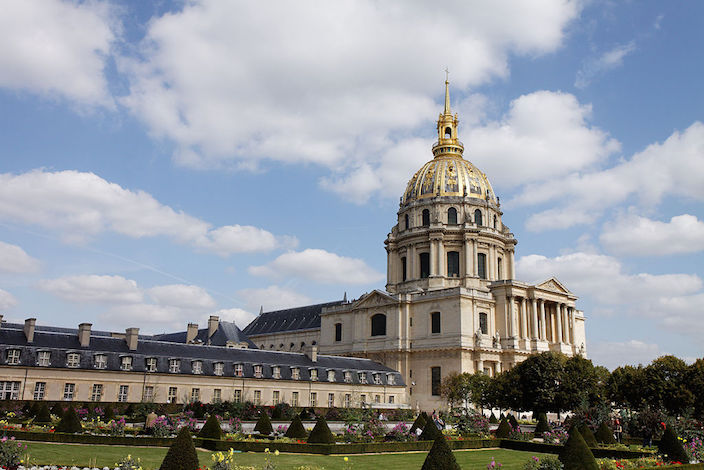 Dome of Les Invalides in Paris, (cc) Thesupermat