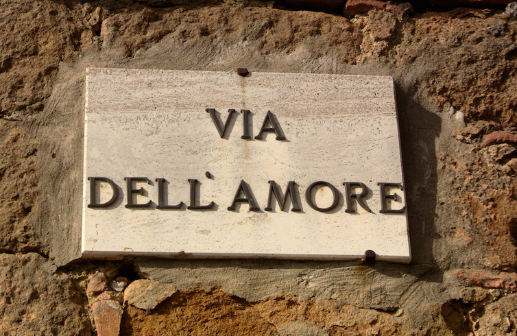 Via della Amore sign in Pienza (Tuscany, Italy) © Stefano Costantini