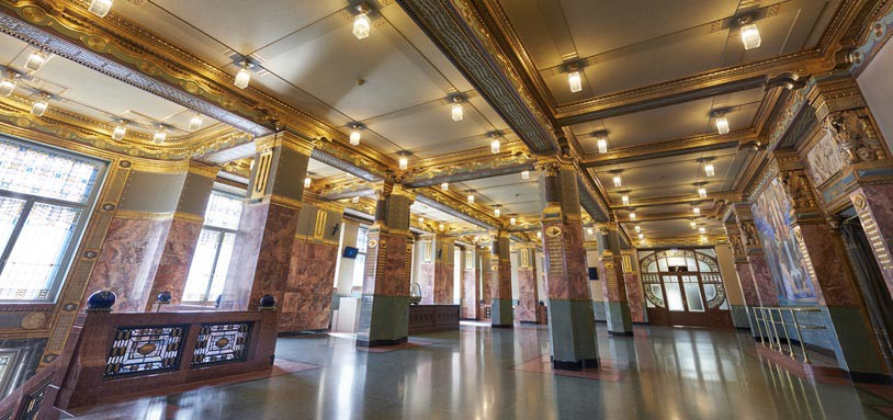 Liszt-Academy-Foyer-c-Gyorgy-Darabos