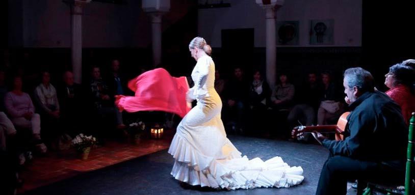 La Casa del Flamenco: Traditional Dance in Seville