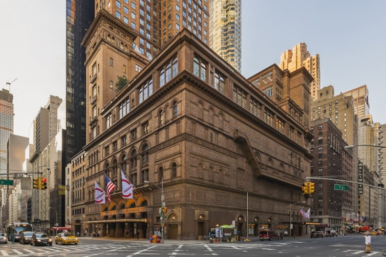 Carnegie Hall Exterior, NYC © Photo: Jeff Goldberg/Esto