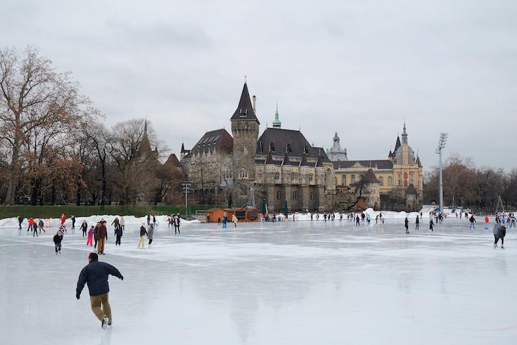 Budapest-Iceskating-Cty-park-Gabriel-Hess