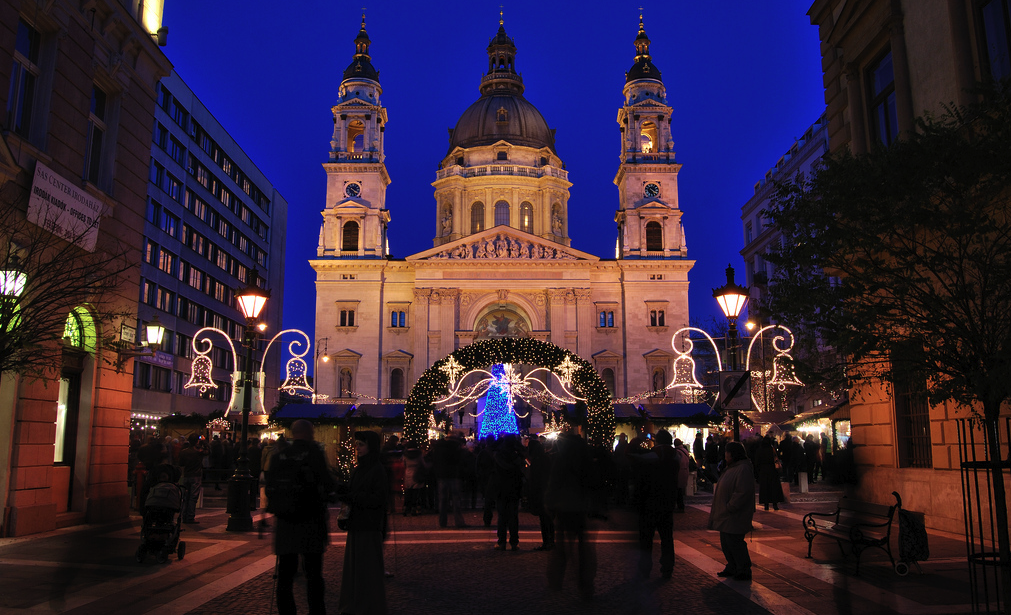 Budapest-Christmas-Market-Basilica-photo-by-MPeti