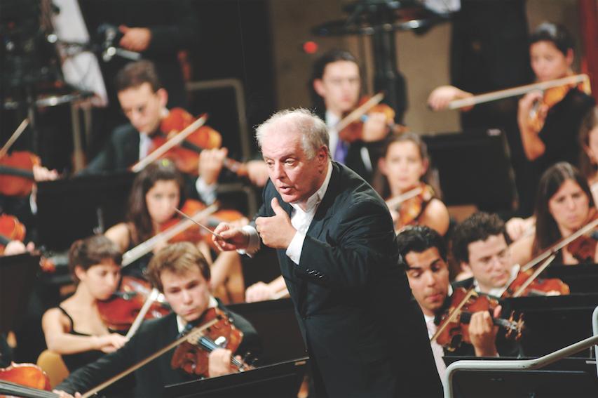 Daniel-Barenboim-west-eastern-divan-orchestra-Monika-Rittershaus-copy
